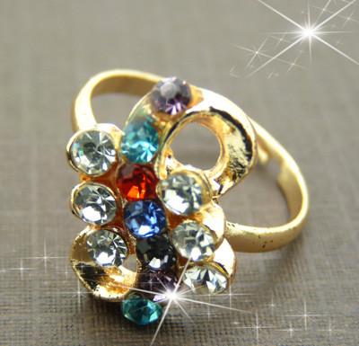 时尚百搭戒指 潮流钛钢饰品锆石镶钻 彩色.