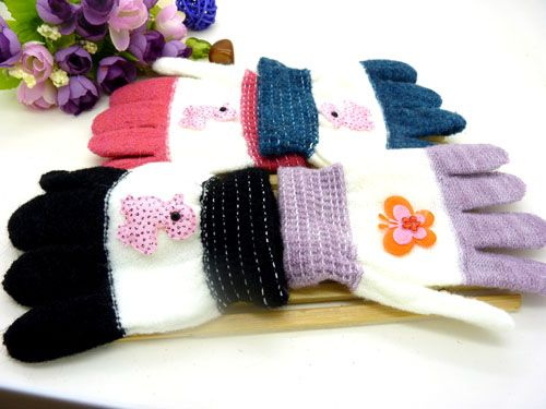 秋冬手工编织蝴蝶儿童手套保暖彩色针织加绒宝宝手套